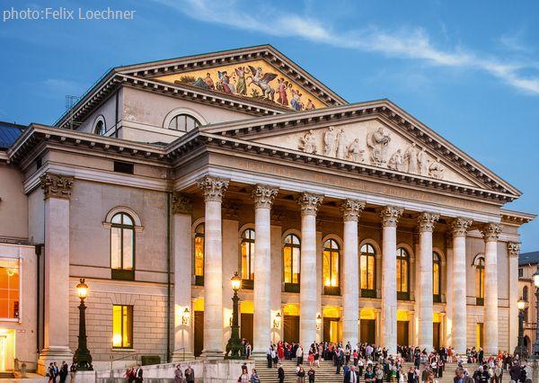small_credit_Bayerische Staatsoper - Nationaltheater c) Felix Loechner.jpg