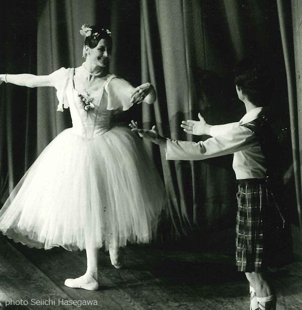 1st_World Ballet Festival_La Sylphide_Carla Fracci_Paolo Bortoluzzi_photo no819_photo_Seiichi Hasegawa.jpg
